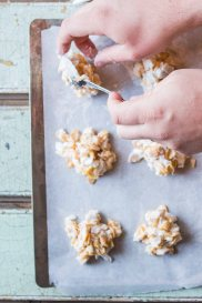 CornflakeCoconutCrunchies-34